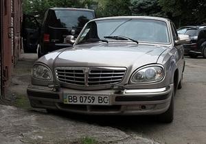 СМИ: В Луганской области глава райсовета сбил на служебной машине скутериста