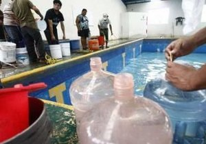 Из-за шторма Алекс в Мексике более сотни тысяч человек остаются без воды
