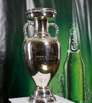 Carlsberg Group презентовал в Украине главный трофей Чемпионата УЕФА ЕВРО 2012TM
