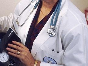 В Британии медсестру отстранили за желание помогать пациентам молитвами
