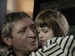 Родители похищенной российской девочки договорились о мировом соглашении