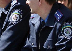 Полтавские милиционеры обнаружили на остановке два автофильтра и Библию вместо бомбы