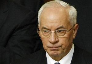 Азаров признал, что пять областей не готовы противостоять наводнению