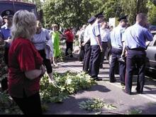 На Березняках на месте скандальной стройки избили людей