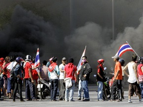МИД просит украинцев не ходить на демонстрации в Таиланде