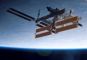 МКС грозит столкновение с обломком американского спутника