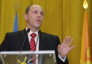 Парубий намерен судиться с  недоброкачественным  главой налоговой милиции