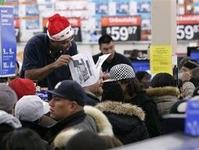 В США покупатели насмерть затоптали сотрудника магазина