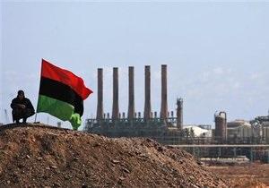 Наступление полковника: Силы Каддафи отбили у повстанцев еще один город