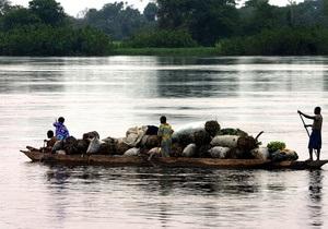 В ДР Конго перевернулось перегруженное судно: погибли 138 человек