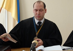 Депутат просит ГПУ проверить законность решений по земле судьи, ведущего дело Луценко