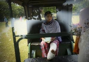 Бангладеш: Дешевые джинсы и безопасность тех, кто их шьет