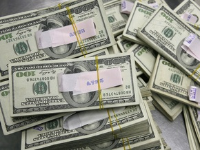 Курс продажи наличного доллара составляет 7,65-7,69 гривны