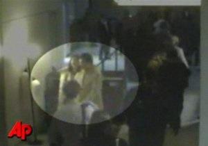 Один из крупнейших аэропортов США эвакуировали из-за прощального поцелуя