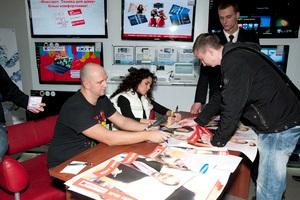 Гости  Фокстрота : в марте Потап и Настя провели в супермаркетах  Фокстрот  2 автограф-сессии