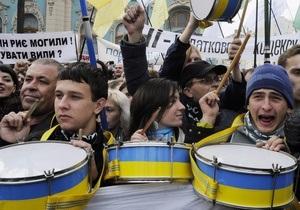 Протестующие против Налогового кодекса пригрозили Януковичу забастовками