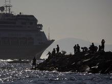 Круизный лайнер с тысячей пассажиров на борту попал в аварию в Греции
