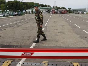 Украинка, работающая в Польше, пыталась пересечь границу, спрятавшись под одеялом
