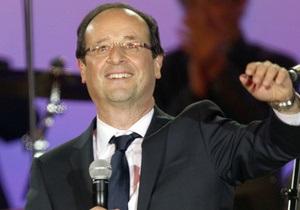 Янукович поздравил Олланда с победой над Саркози