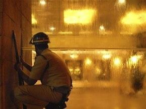 Спецназ начал операцию по освобождению заложников в гостинице Оберой в Мумбае
