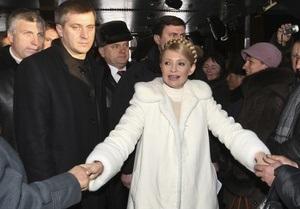 Азаров уволил 29 советников Тимошенко