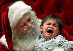 Украинские дети просят у Деда Мороза планшеты и дорогие телефоны