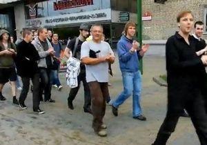 Акция протеста в Минске: Милиция задержала около 100 человек, которые хлопали в ладоши