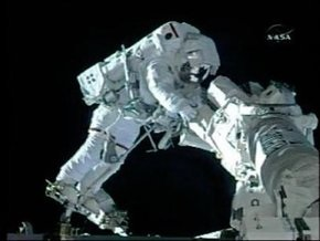 Миссия Endavour: Третья космическая прогулка обошлась без неприятностей