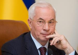Азаров: Сейчас против Украины проходит 15 судебных процессов