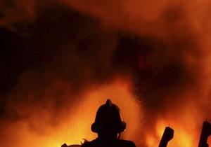 В Киеве горит склад