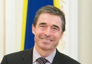 Генсек НАТО: Мне приятно посещать Украину, где люди свободно выражают свое мнение