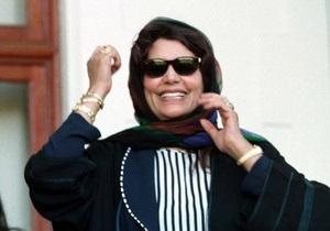 Клинтон настаивает на том, что семья Каддафи бежала из Ливии