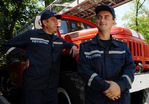 В Харьковской области возле трассы по направлению в Россию нашли 400 боеприпасов