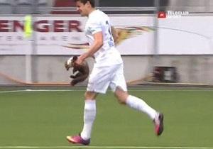 Швейцарского футболиста во время матча укусила куница