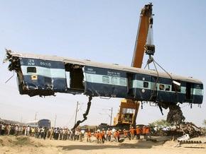 Фотогалерея: В Индии столкнулись два поезда с пассажирами