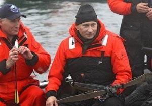 Путин взял анализы у кита у берегов Камчатки