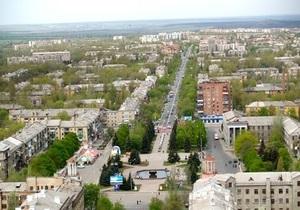 Пьяный житель Горловки застрял в оконной решетке, пытаясь попасть в квартиру через форточку