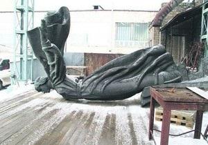 Памятник основателям Киева отреставрируют до 20 мая