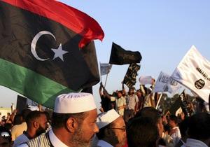 В Бенгази манифестанты взяли штурмом базу исламистов. В столкновениях погибли три человека