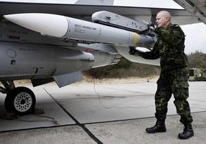 Канада закупит более тысячи бомб с лазерным наведением для операции против сил Каддафи