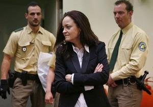 Адвокат подтвердил, что подсудимые неонацисты в Германии сотрудничали со спецслужбами