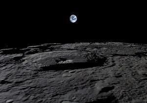 Ученые рассказали о залежах льда на Луне и Марсе