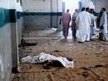 В Пакистане смертник подорвал себя в мечети: десятки погибших