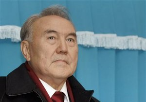Президент Казахстана призвал власти Кыргызстана накормить народ