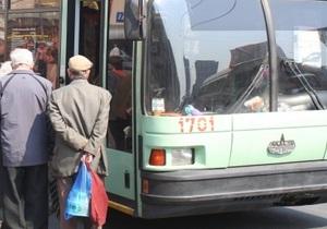 В Хмельницком троллейбус сбил пешехода: мужчина скончался в реанимации