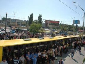 Киевский метрополитен требует у власти компенсировать траты на перевозку льготников