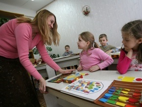 БЮТ: В киевских школах хотят рекламировать алкоголь