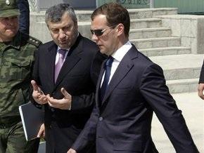 Вслед за Медведевым в Южную Осетию отправляются главы силовых ведомств РФ