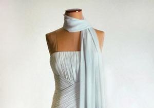 Платье принцессы Дианы продали за 108 тысяч долларов