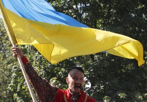 Почти 60% украинцев ощущают нехватку  сильной руки  - опрос